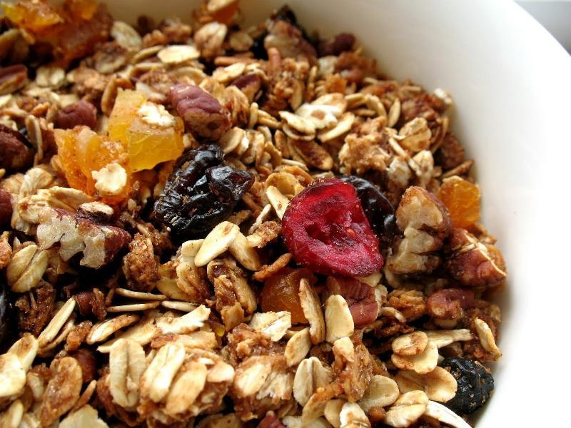 Slow Energy Foods Which Should be Part of your Training Diet: granola