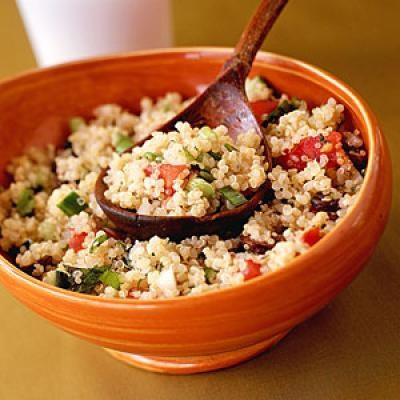 Slow Energy Foods Which Should be Part of your Training Diet: quinoa